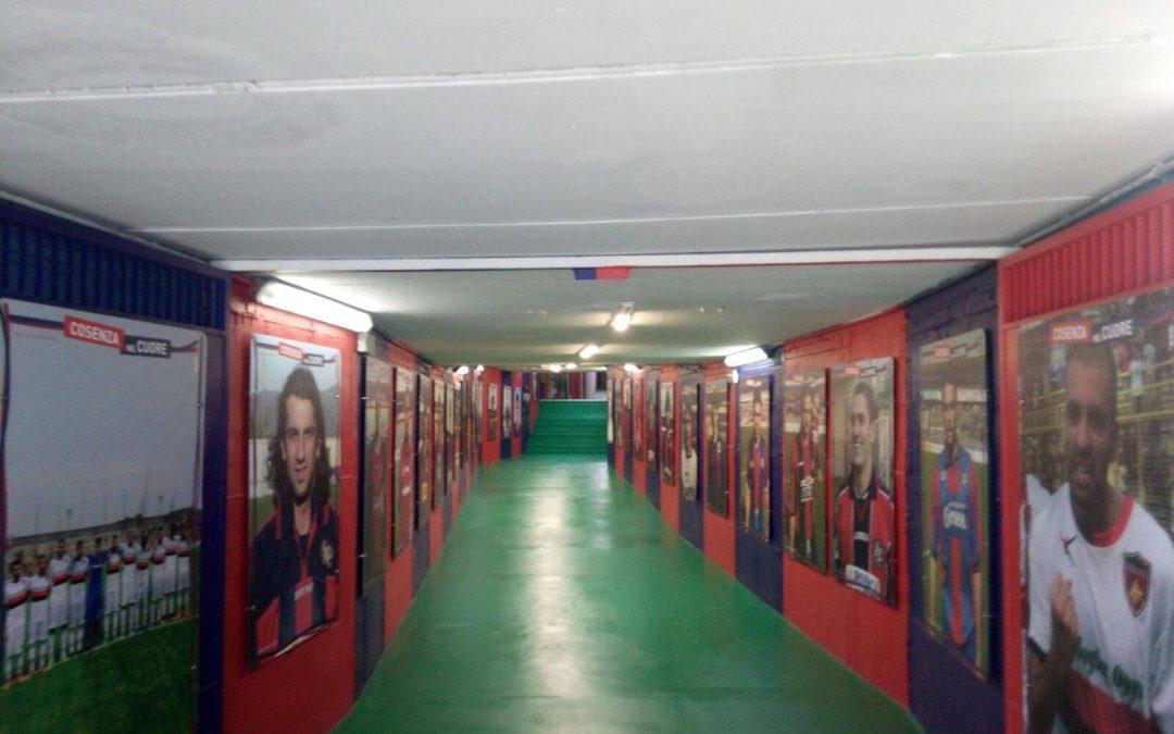 """FOTO – La """"Hall of fame"""" del Cosenza Calcio all'interno dello stadio """"Marulla"""""""