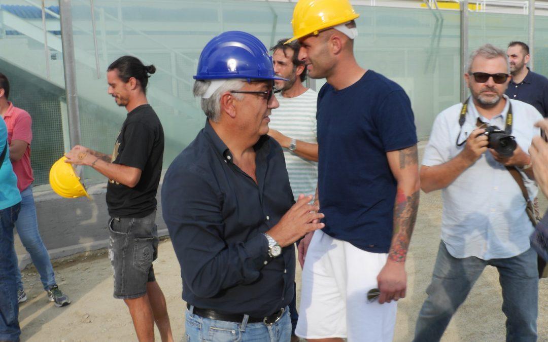 """Serie A, il Crotone allo """"Scida"""" per la sfida col Napoli  Vrenna: «Domenica deve essere una festa»"""