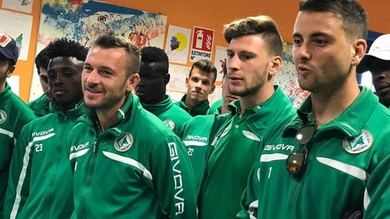 """I calciatori dell'Avellino in visita ai bambini ricoverati all'Ospedale """"Moscati"""""""