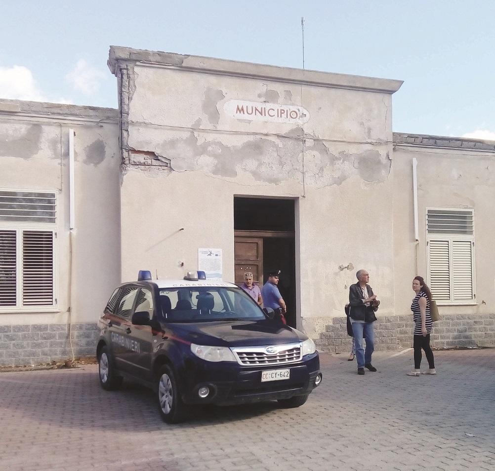 Giocava on line con i soldi del Comune: indagato per peculato un vice sindaco della provincia di Reggio Calabria