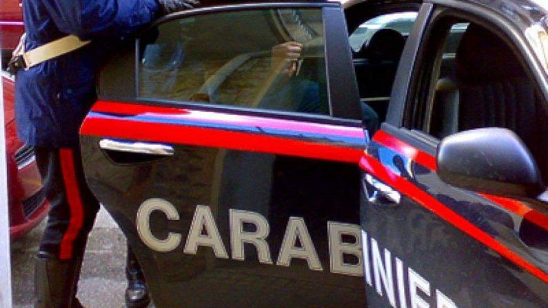 Arrestati zio e due nipoti nel ViboneseScoperto un piccolo arsenale nella loro casa