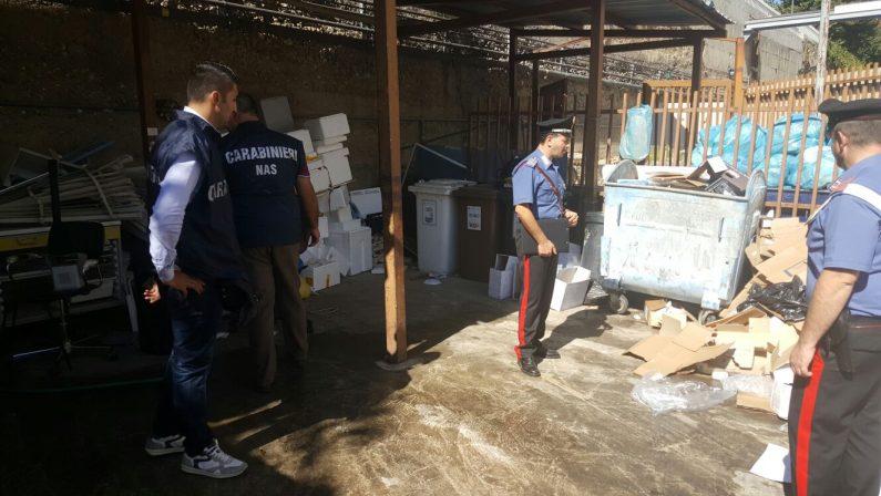 Nuovo sequestro all'ospedale di Cosenza, carabinierisigillano l'area per i rifiuti: c'è rischio inquinamento