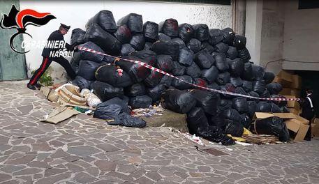 Blitz dei Carabinieri nella Terra dei fuochi, sospese 34 aziende tra Napoli e Caserta