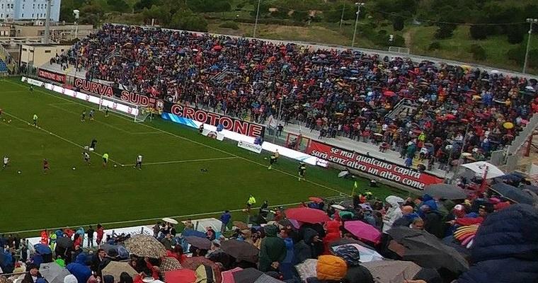 """Niente agibilità per lo stadio """"Ezio Scida"""", rischio campo neutro per il Crotone"""