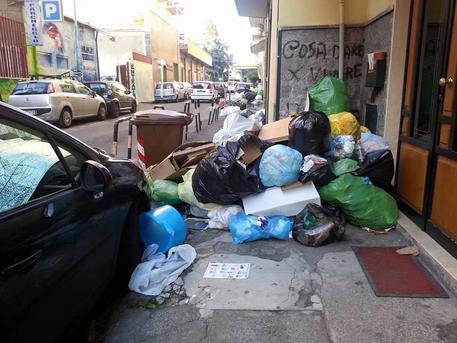 Differenziata allo 0% a Giugliano di Napoli, danno da ben 3 milioni di euro