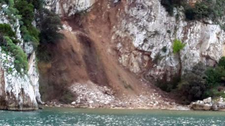 Maltempo, smottamento a Capri: frana in mare