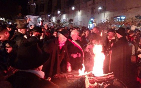 """Montella è pronta per """"La Sagra della Castagna"""": eccellenze irpine, musica ed artigianato"""
