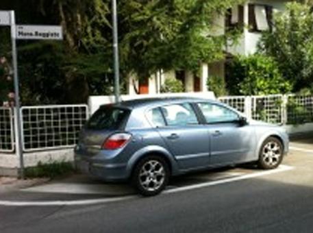Napoli, De Magistris annuncia guerra ai parcheggiatori abusivi