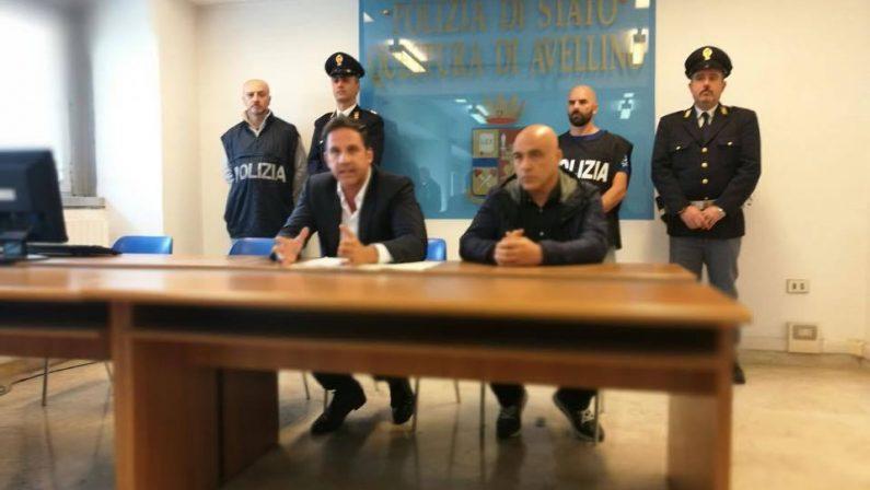 Avellino, viene licenziato e incendia un negozio: arrestati 24enne e un complice