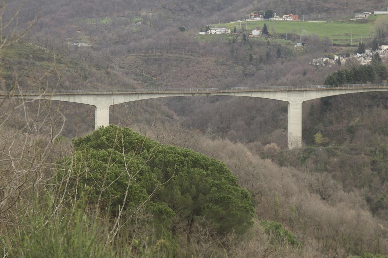 Cosenza, il Viadotto Cannavino riapre al trafficoma con lavori da finire e a dicembre nuovi interventi