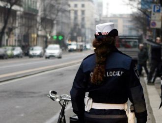 Nuovo caso dicyberbullismo: sul web foto e insulti ad una giovane Vigilessa napoletana