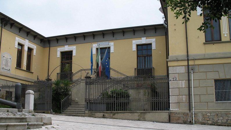 Il prefetto di Reggio sospende il consiglio di Laureana di BorrelloSindaco e i consiglieri si erano dimessi dopo il fermo di un assessore