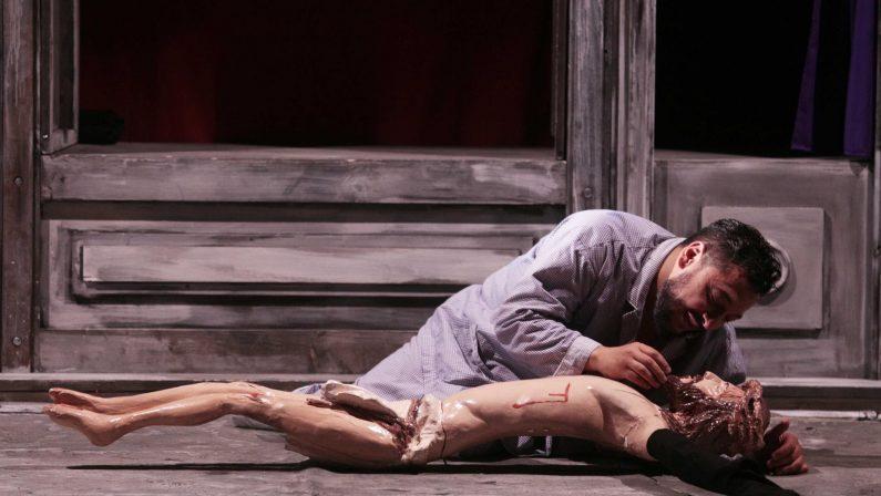 Teatro, Scena Verticale dà il via alla sua tournéeDue mesi di spettacoli dalla Calabria alla Svizzera