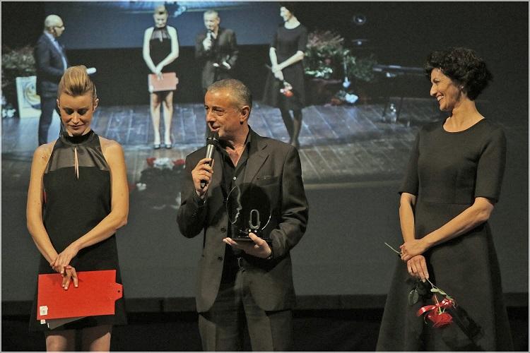 Voci nell'ombra, il doppiatore cosentino Tony Sansone premiato come miglior voce non protagonista delle serie tv