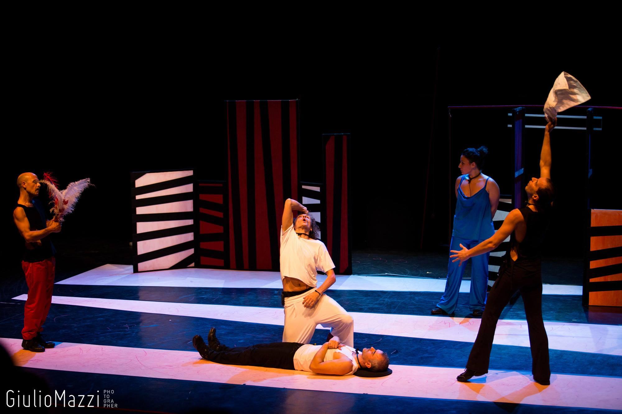 Potenza, venerdì a teatro con la comicità acida di RezzaMastrella