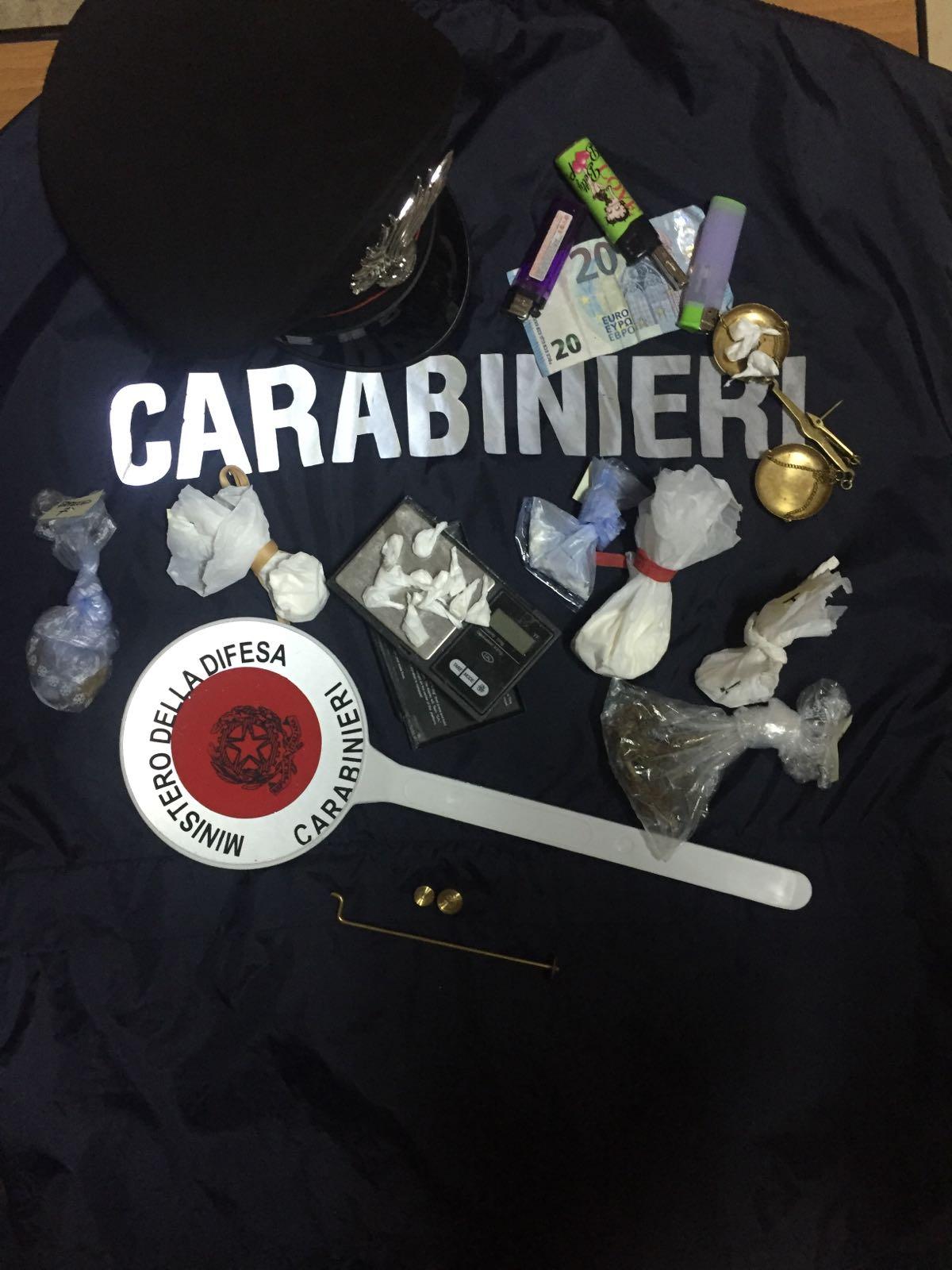 Nusco, controlli dei Carabinieri che sequestrano droghe e denunciano varie persone