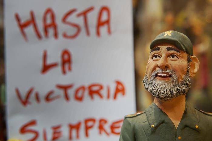 Nei presepi di Napoli spunta anche Fidel Castro: l'omaggio per la scomparsa dellider maximo