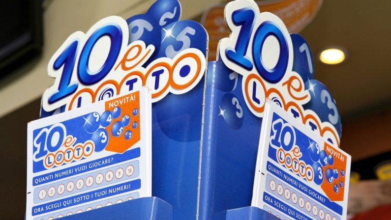 """Il """"10 e Lotto"""" premia giocatore nel Crotonese  Centrati 8 numeri: porta a casa 100mila euro"""