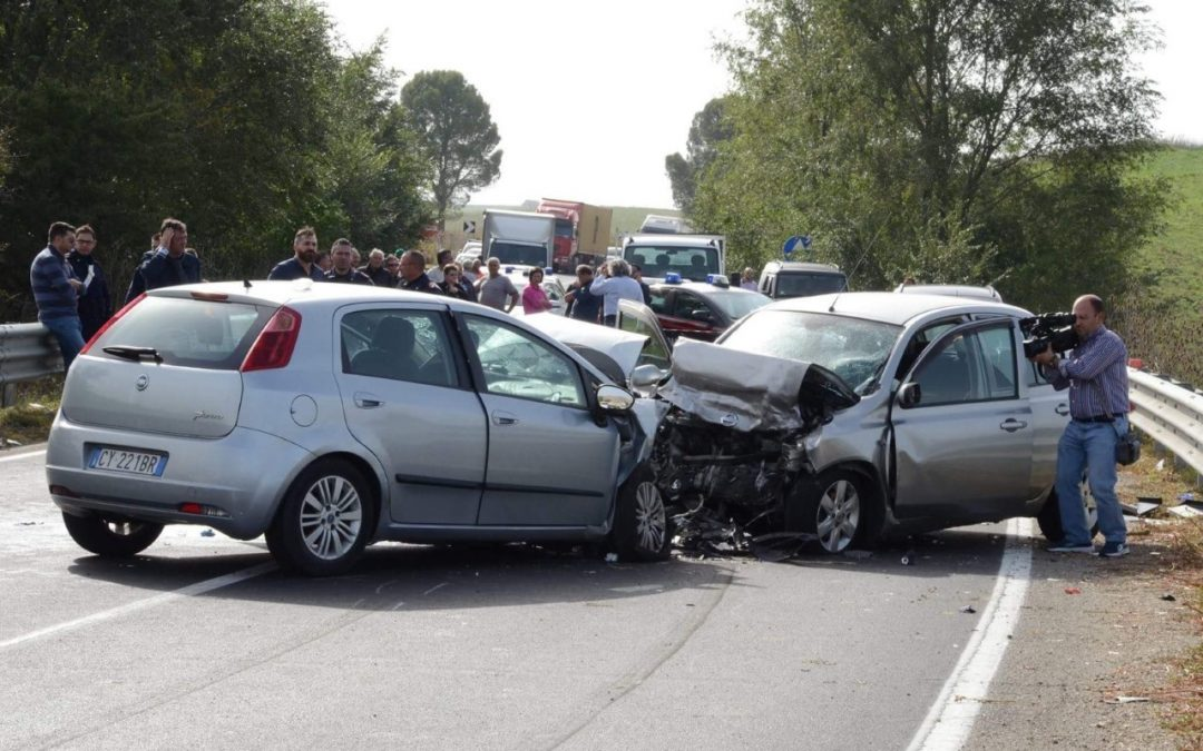 Incidente a Vico Equense, traffico in tilt e tre feriti