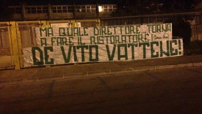 """Avellino, continua la protesta della Curva. """"De Vito vattene"""""""