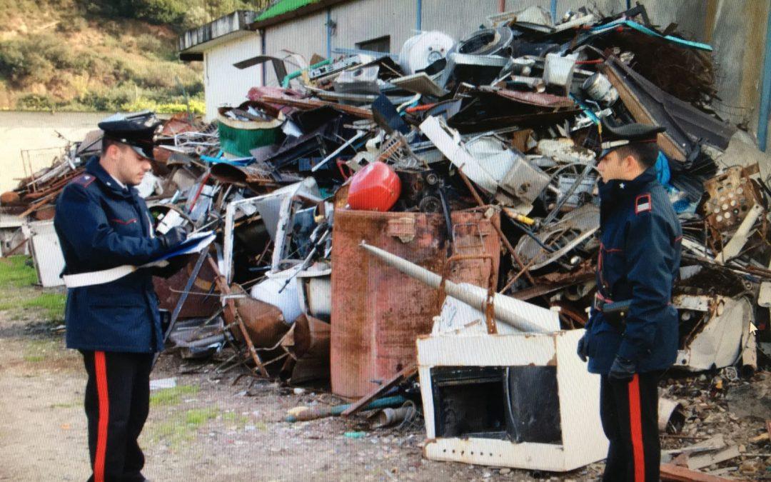 I carabinieri sequestrano una discarica abusiva