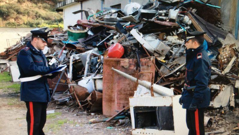 Tre discariche abusive, e con rifiuti pericolosi, sequestrate dai carabinieri a Scilla