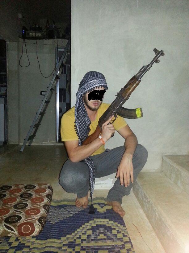FOTO - Il cittadino siriano arrestato a Catanzaro accusato di essere un terrorista internazionale