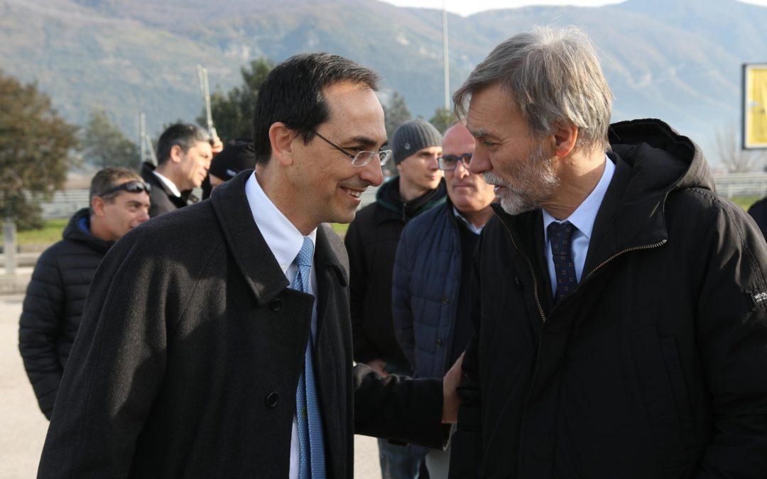 L'asfalto magico della Salerno-Reggio Calabria  A 4 mesi dell'inaugurazione già in rifacimento