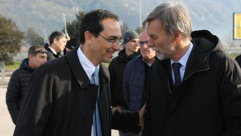 L'asfalto magico della Salerno-Reggio CalabriaA 4 mesi dell'inaugurazione già in rifacimento