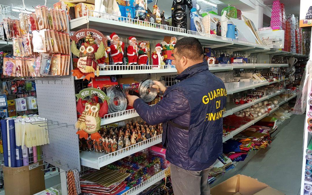 Sicurezza del Consumatore, sequestrati 7 milioni di luci e giocattoli  Erano in diffusione nel Cosentino, 8 commercianti denunciati