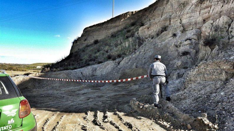 Sequestrata una cava di inerti nel CosentinoPrelevato materiale nonostante fosse chiusa