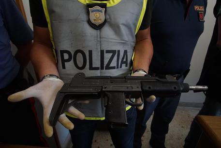 Trovate armi nel cimitero di Poggioreale, appartenenti forse al clan Mazzarella