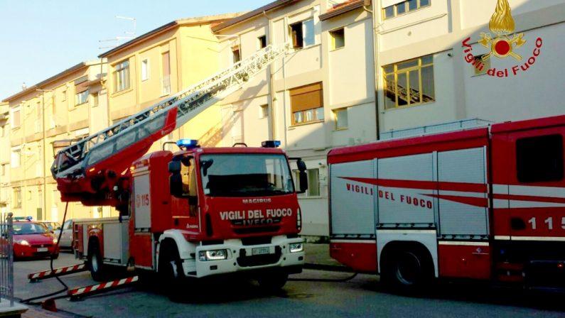 Avellino, incendio in un'abitazione del quartiere San Tommaso: paura per gli abitanti