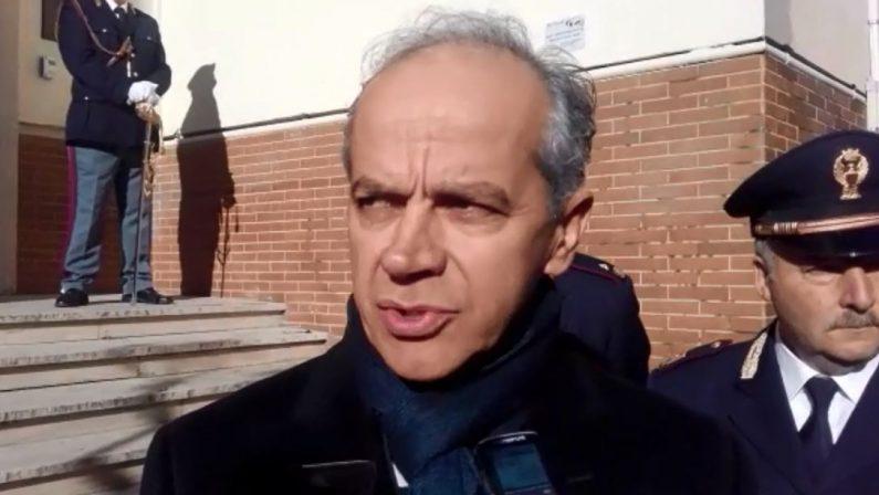 VIDEO - Immigrazione e sicurezza, Piantedosi a Cosenza: «Rischio zero non esiste ma in Italia la Polizia è tra le migliori del mondo»