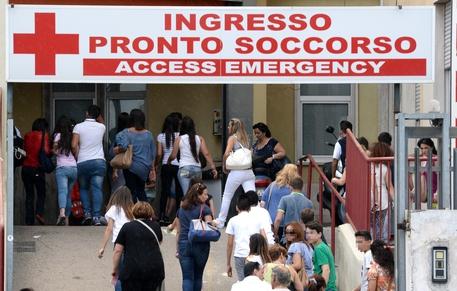 Napoli, feriti senza motivo due immigrati del Bangladesh