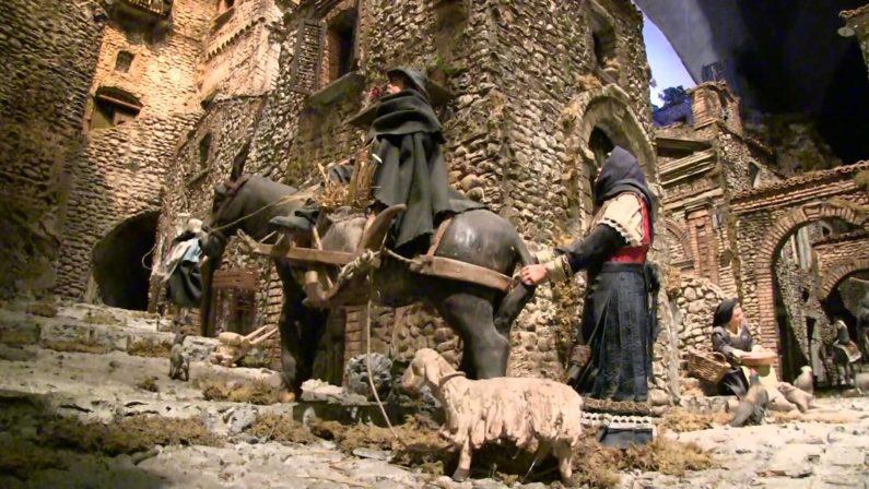 A Milano l'incanto del presepe lucano del maestro Francesco Artese