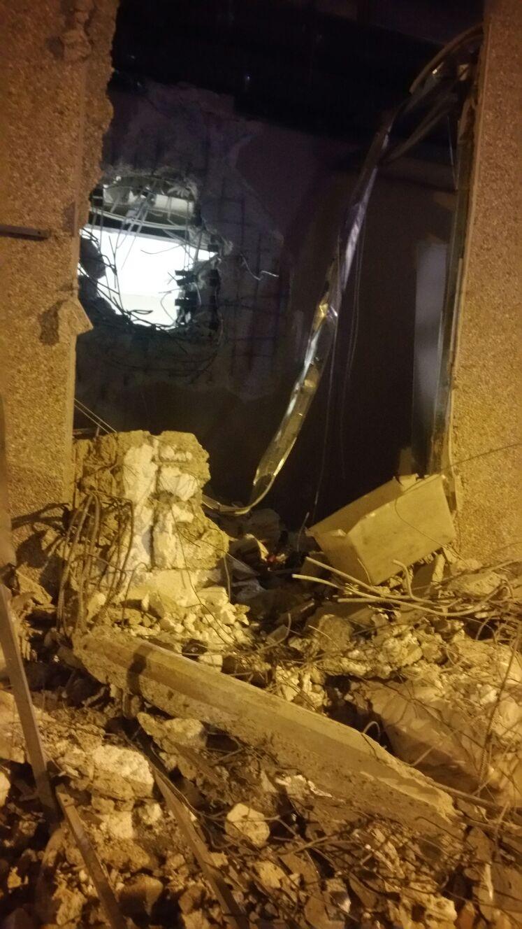 Assalto militare alla Sicurtrasport di Catanzaro  Preso di mira caveau, strade bloccate con incendi