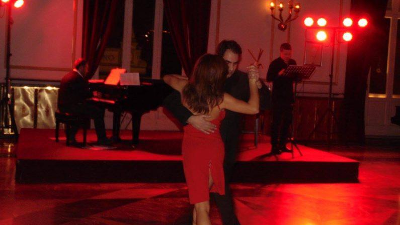 La cultura del tango appassiona CosenzaAppuntamento nella sala Quintieri del Rendano