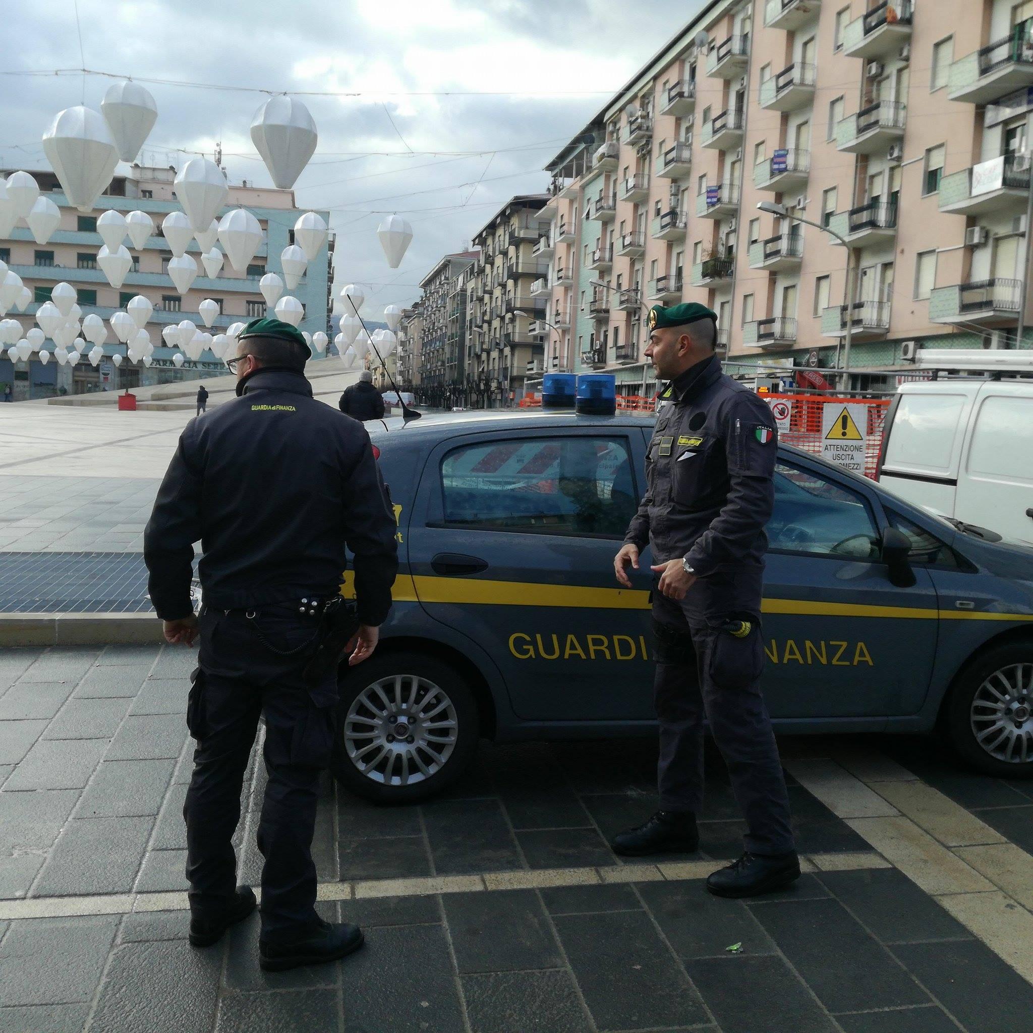 'Ndrangheta, sequestrato il parcheggio di piazza Bilotti a Cosenza. Tra i fermati anche un dipendente Anas