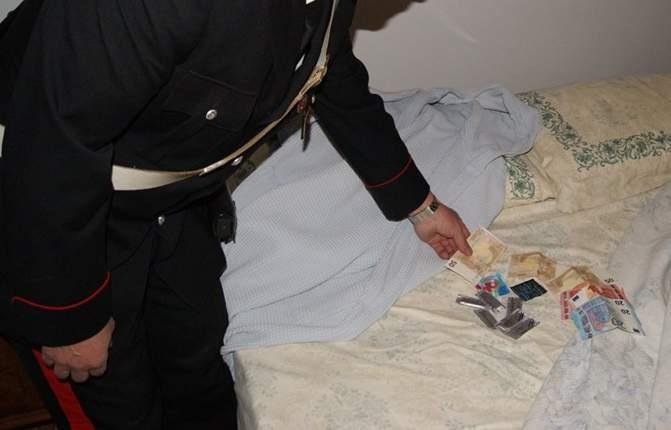 Sperone, scoperta una casa di prostituzione: una denuncia