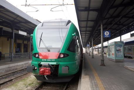 Campania, pendolari in fuga dai treni