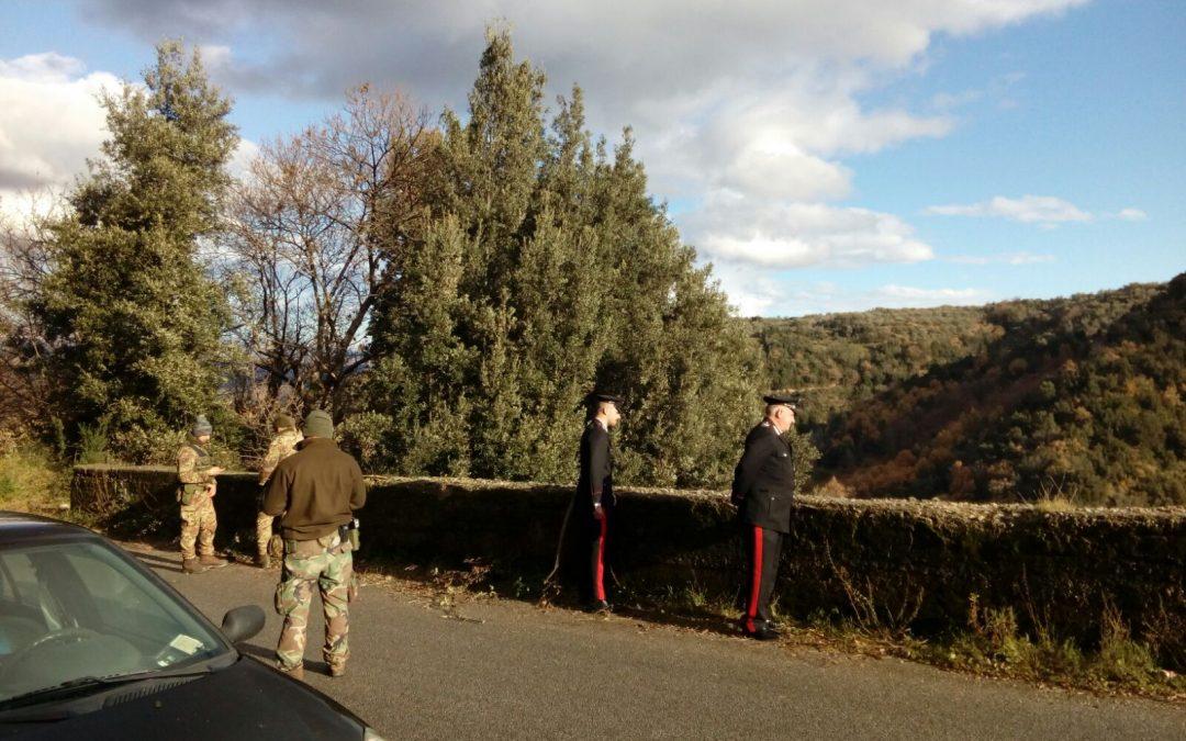 Le indagini dei carabinieri per l'agguato
