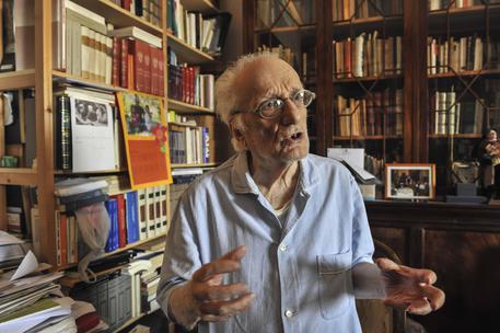 Campania in lutto per la morte del filosofo Marotta: il ricordo di Mattarella e Gentiloni