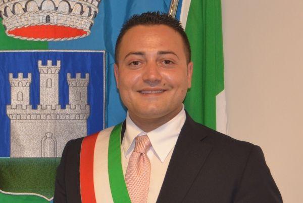Intimidazione al sindaco di Isola Capo Rizzuto, incendiata la casa estiva