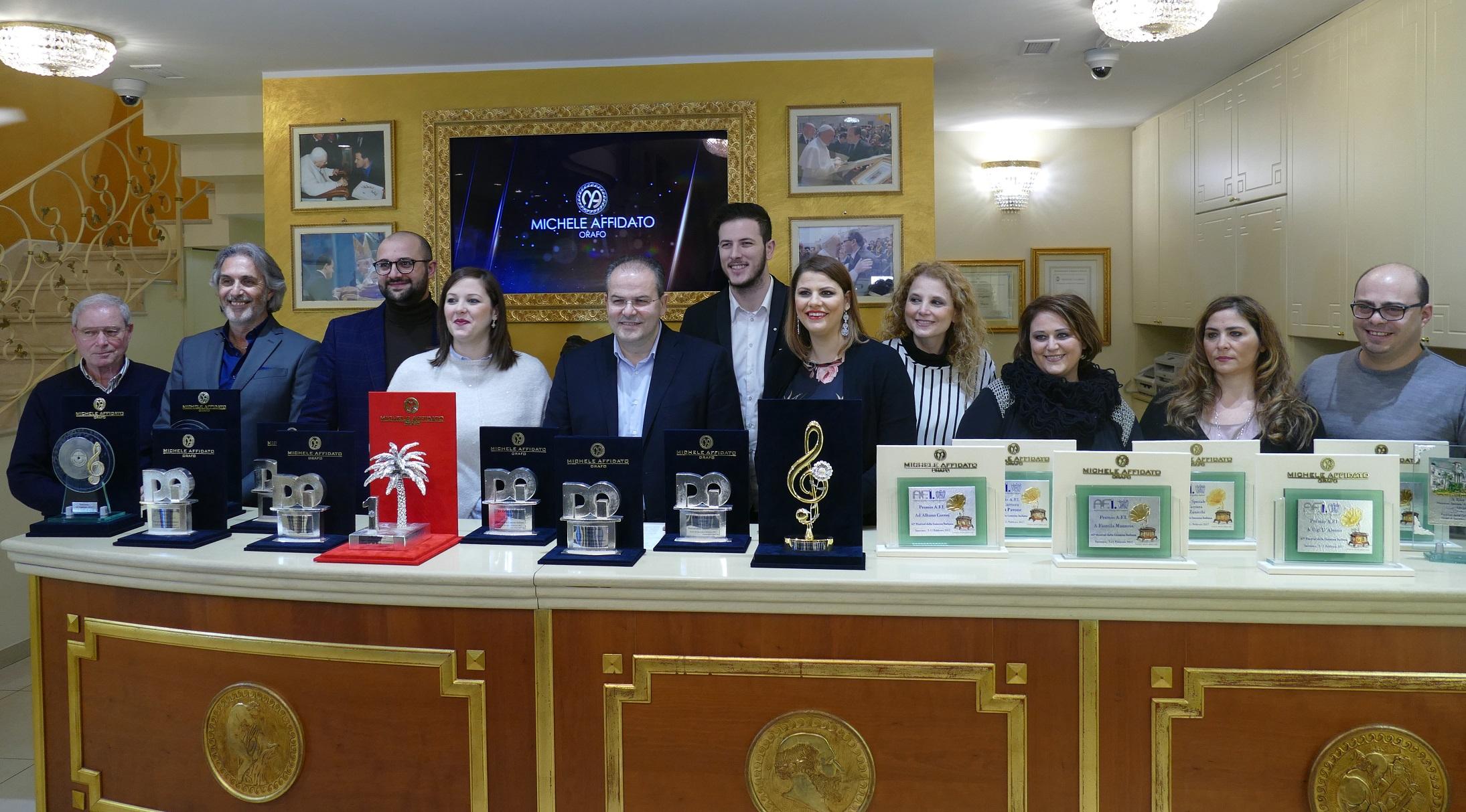 Le opere del maestro orafo Michele Affidatoper i riconoscimenti al Festival di Sanremo