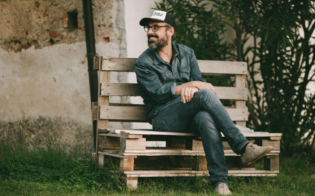 """Brunori Sas conquista il premio Amnesty International  """"L'uomo nero"""" è il miglior brano sui diritti umani"""