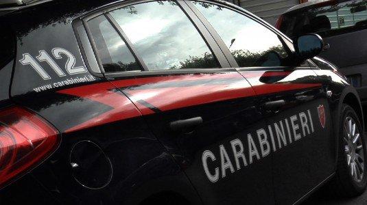 Imprenditore ferito da colpi di fucile caricato a pallini a Cutro: non è grave, indagano i carabinieri