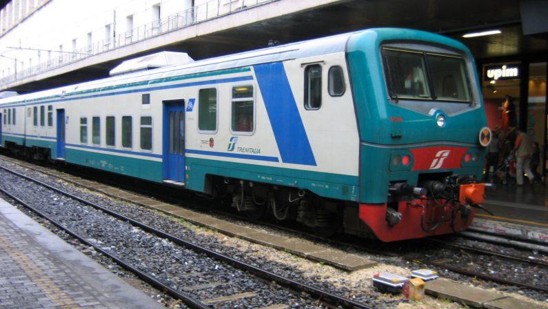 Bari, trovato lo scheletro di un uomo nella carrozza bruciata di un treno proveniente dalla Calabria