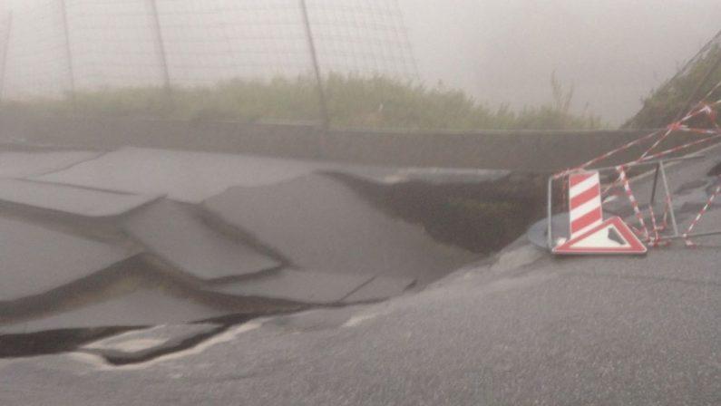 Allerta rossa in Calabria, torrenti e fiumi a rischio  Piogge forti, evacuate alcune famiglie nel Reggino