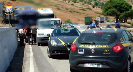 Operazione della Guardia di Finanza: confiscati beni per 600mila euro ad imprenditore salernitano